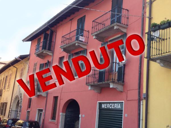 Appartamento in vendita a Azzate, 3 locali, prezzo € 132.000 | Cambio Casa.it
