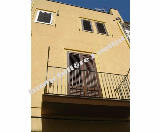 Palazzo / Stabile in vendita a Alcamo, 4 locali, prezzo € 135.000 | Cambio Casa.it