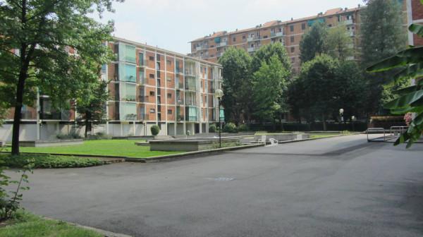 Bilocale Milano Via Sem Benelli 8