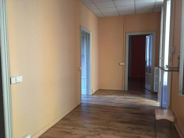 Ufficio / Studio in affitto a Borgomanero, 3 locali, prezzo € 550 | Cambio Casa.it