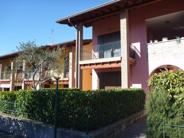 Bilocale Lonato Del Garda Via San Tommaso 11