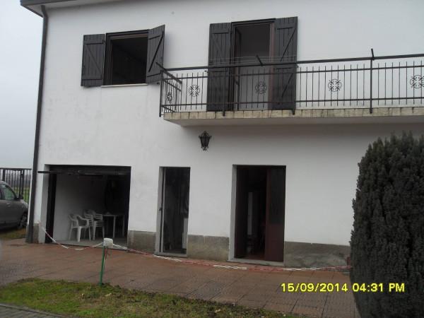 Villa in vendita a Uboldo, 6 locali, prezzo € 220.000 | Cambio Casa.it