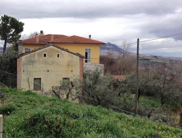 Rustico / Casale in vendita a Montescudo, 5 locali, prezzo € 165.000 | Cambio Casa.it