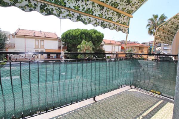 Attico in Vendita a Pietra Ligure Centro: 2 locali, 45 mq