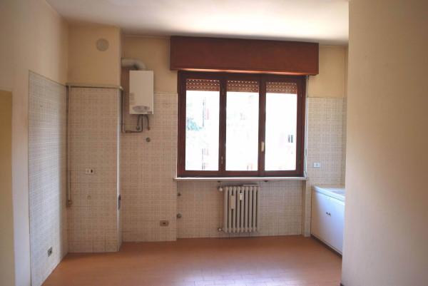 Bilocale Varese Via Ulisse Merini 1