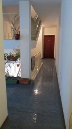 Bilocale Arona Via Vittorio Veneto 12