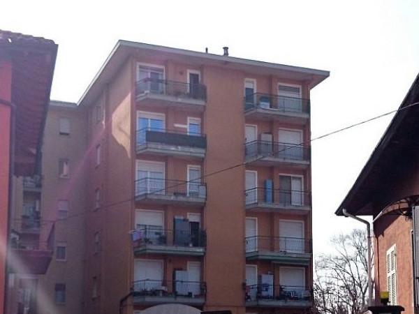 Bilocale Arona Via Vittorio Veneto 3