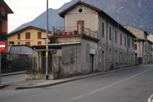 Negozio / Locale in vendita a Valmadrera, 6 locali, prezzo € 400.000 | Cambio Casa.it