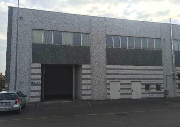Capannone in vendita a Desio, 1 locali, prezzo € 600.000 | Cambio Casa.it
