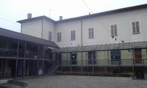 Negozio / Locale in affitto a Chieri, 2 locali, prezzo € 370   Cambio Casa.it