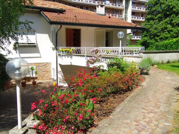 Villa in vendita a Induno Olona, 6 locali, prezzo € 330.000 | Cambio Casa.it