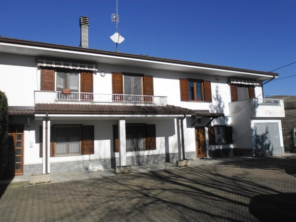 Rustico / Casale in vendita a Mombaruzzo, 4 locali, prezzo € 140.000   Cambio Casa.it