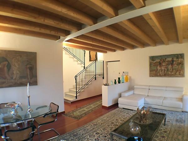 Rustico / Casale in vendita a Verona, 5 locali, zona Zona: 8 . San Michele, prezzo € 570.000 | Cambio Casa.it