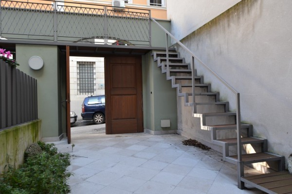 Bilocale Trieste Via Della Madonna Del Mare 11