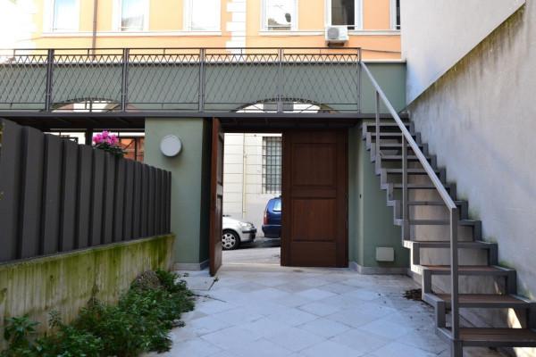 Bilocale Trieste Via Della Madonna Del Mare 8