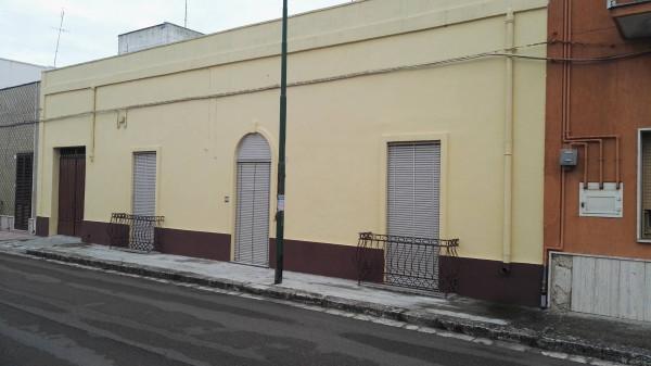 Appartamento in vendita a Salice Salentino, 6 locali, prezzo € 155.000 | Cambio Casa.it