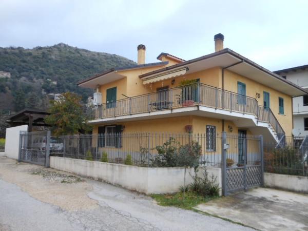 Villa in vendita a Pietravairano, 6 locali, Trattative riservate | Cambio Casa.it