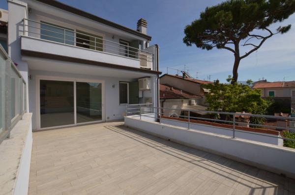 Bilocale Viareggio Via Vincenzo Gioberti 1
