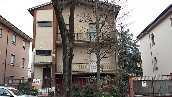 Palazzo / Stabile in vendita a Cremona, 6 locali, prezzo € 220.000 | Cambio Casa.it