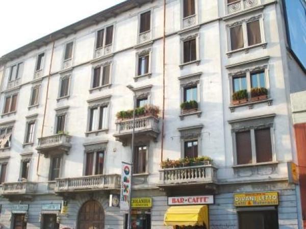 Bilocale Milano Via Antonio Tolomeo Trivulzio 11