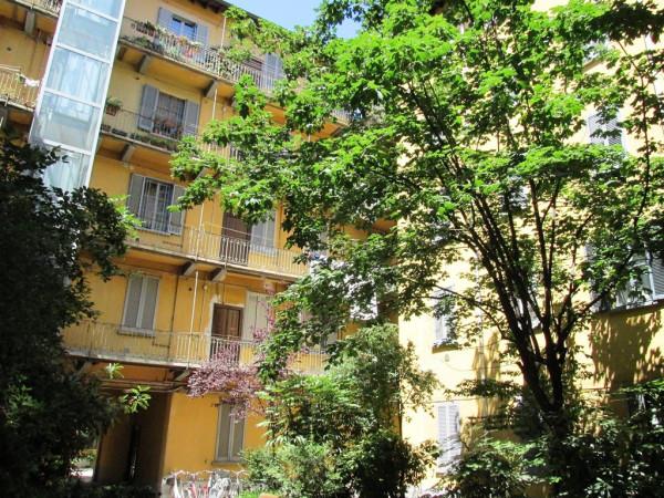 Bilocale Milano Via Antonio Tolomeo Trivulzio 8