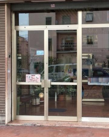 Negozio / Locale in vendita a Latina, 1 locali, prezzo € 125.000 | Cambio Casa.it