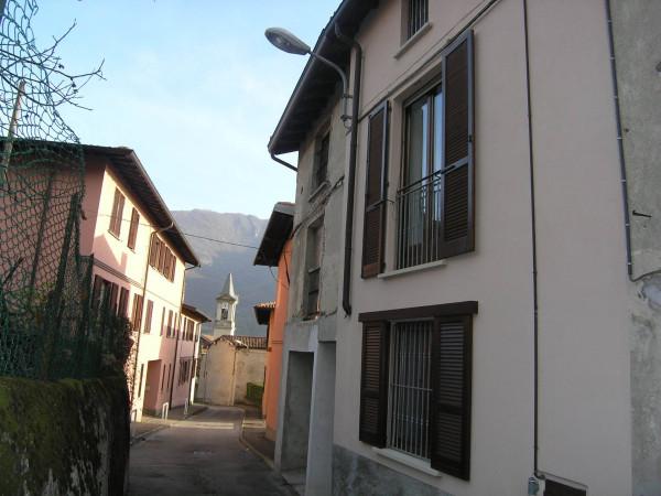 Soluzione Indipendente in vendita a Valmadrera, 2 locali, prezzo € 98.000 | Cambio Casa.it
