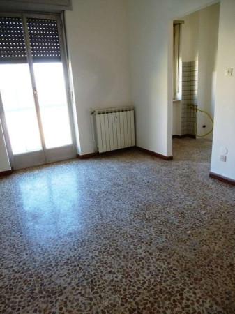 Bilocale Pinerolo Via Bignone, 3 2