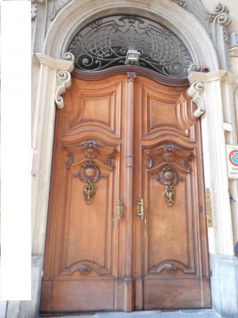 Bilocale Torino Via Mercanti 1