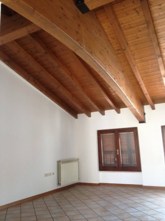 Appartamento in vendita a Ghedi, 4 locali, prezzo € 130.000 | Cambio Casa.it