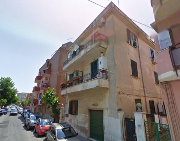 Bilocale Ladispoli Via Lazio 4
