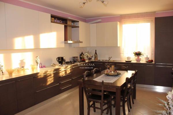 Appartamento in vendita a Monticello Brianza, 5 locali, prezzo € 220.000 | Cambio Casa.it