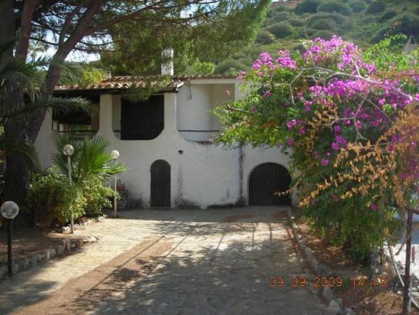 Villa in Vendita a Sinnai Centro: 120 mq