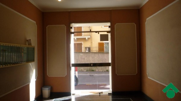 Bilocale Genova Via Gabriele Rossetti 4