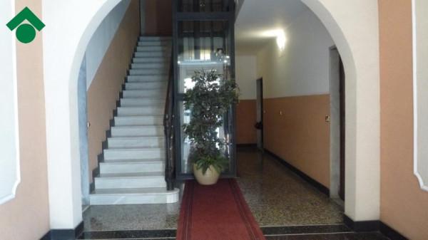 Bilocale Genova Via Gabriele Rossetti 6