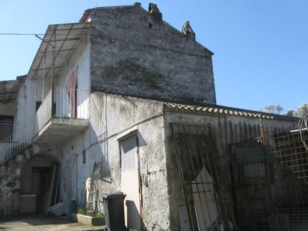 Soluzione Indipendente in vendita a Castel Campagnano, 5 locali, prezzo € 89.000 | Cambio Casa.it
