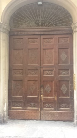 Bilocale Torino Via Santa Chiara 1