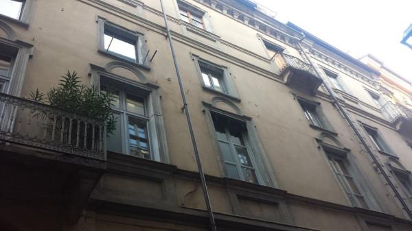 Bilocale Torino Via Santa Chiara 4