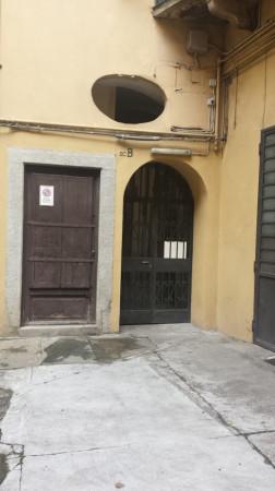 Bilocale Torino Via Santa Chiara 7