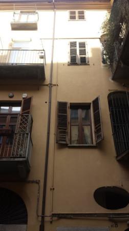 Bilocale Torino Via Santa Chiara 8