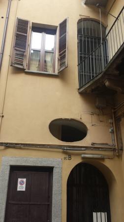Bilocale Torino Via Santa Chiara 9