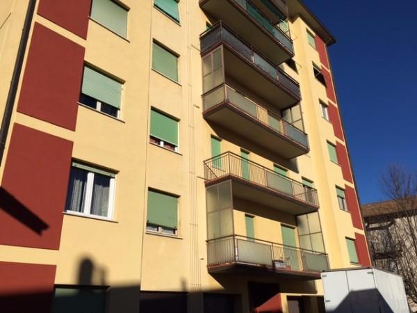 Appartamento in vendita a Malnate, 2 locali, prezzo € 68.000 | Cambio Casa.it