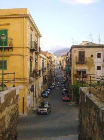 Bilocale Palermo Vicolo Pesacannone 1