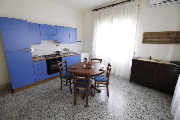 Bilocale Lucca Via Tempietto 1