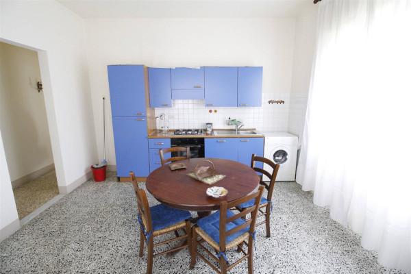 Bilocale Lucca Via Tempietto 5
