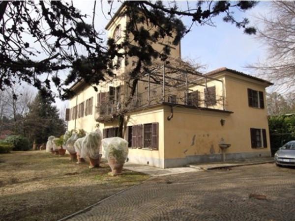 Villa in vendita a Pino Torinese, 6 locali, prezzo € 680.000 | Cambio Casa.it