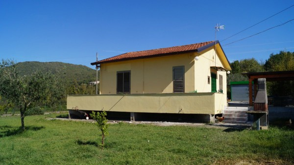 Villa in vendita a Caiazzo, 4 locali, prezzo € 138.000 | Cambio Casa.it
