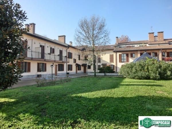 Villa in vendita a Peschiera Borromeo, 4 locali, prezzo € 570.000 | Cambio Casa.it