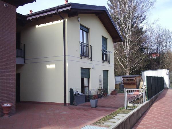 Appartamento in vendita a Cunardo, 3 locali, prezzo € 215.000 | CambioCasa.it