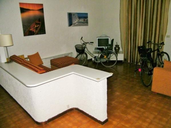 Appartamento in vendita a Montignoso, 9999 locali, prezzo € 185.000 | Cambio Casa.it